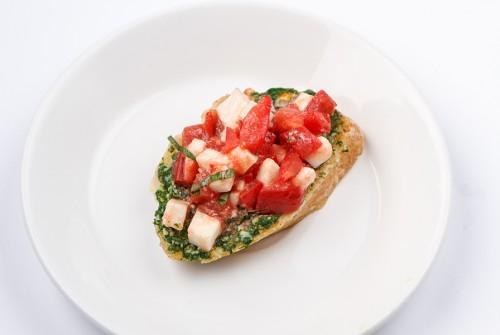 Моцарелла-песто-томат
