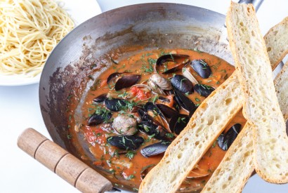 Large sauteed mussels and vongole with continuation